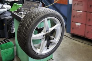 Reifen KFZ Werkstatt Service Ludwigslust LUW Achsvermessung Aufbereitung